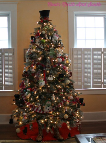 7 tips to creating a custom christmas tree you love roots north south. Black Bedroom Furniture Sets. Home Design Ideas