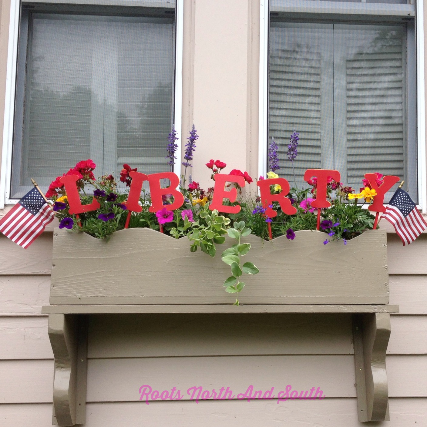 Creating a Patriotic Window Box Roots North & South