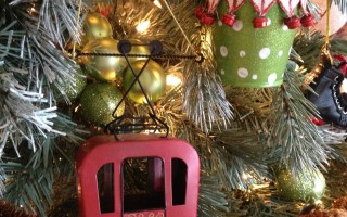 Christmas Tree Style: Bloggers Christmas Tree Tour
